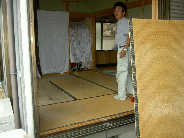 畳と床板を撤去