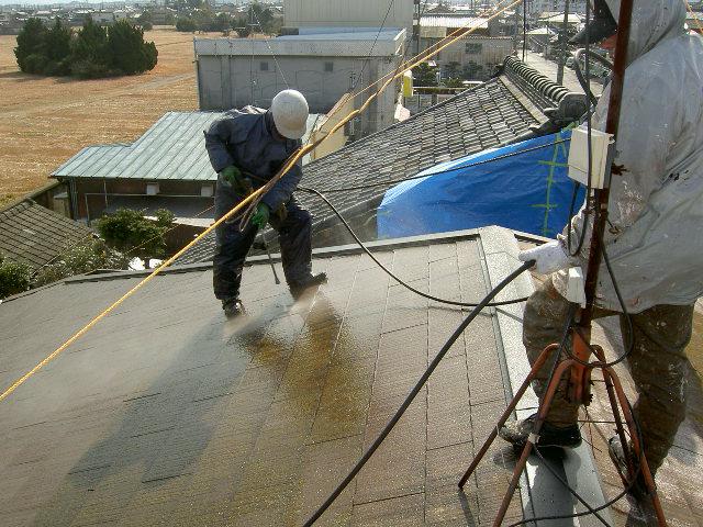 屋根材の高圧洗浄